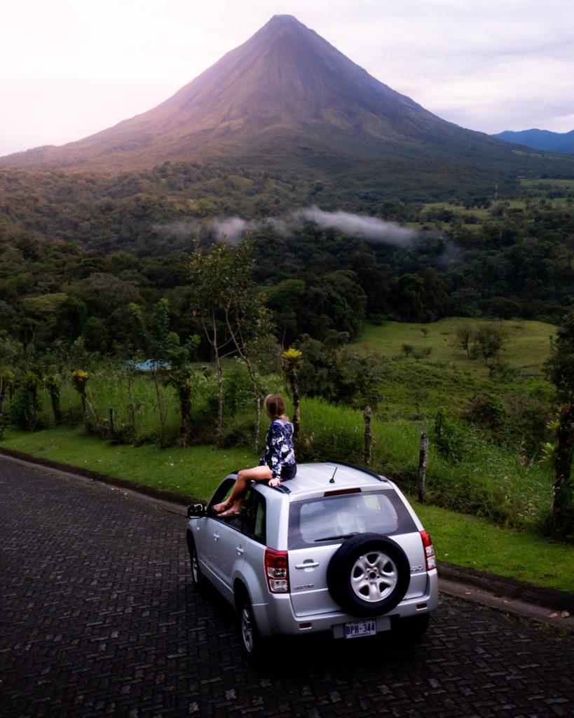 Hay más de 200 formaciones volcánicas en Costa Rica
